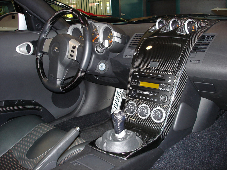 350Z Black CF Full Dash-installed- 792