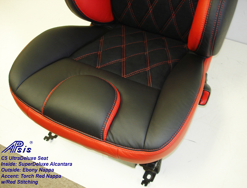 C5 UltraDeluxe Seat-EB+TR-close shot-2