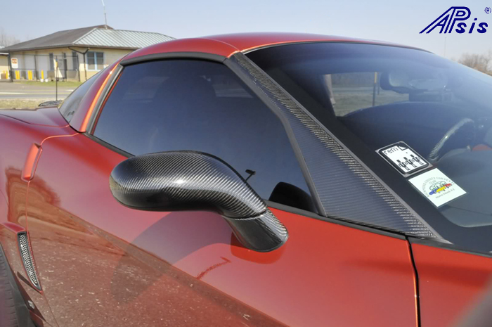 C6 Black CF-Side Mirror on AO-driver-2