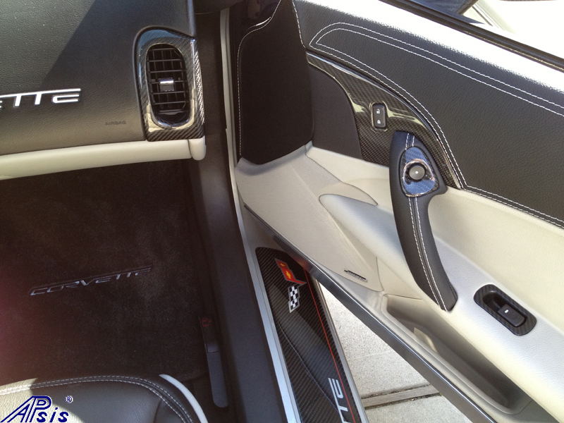 C6 Black CF interior-from george-1