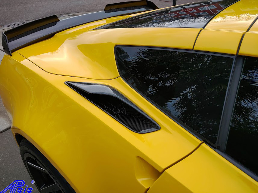 C7 Carbon Z06 Rear Air Vent Upper – Installed in High Gloss