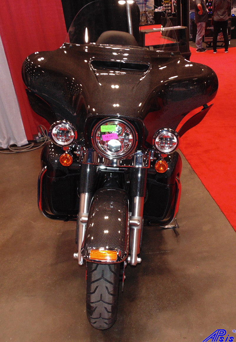 FLH Whole Bike-taken at v-twin expo-2