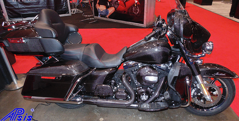 FLH Whole Bike-taken at v-twin expo-6