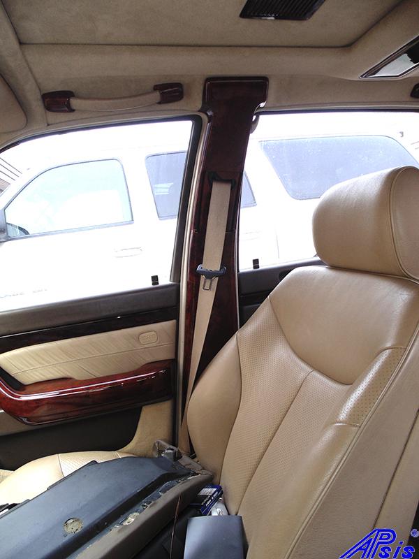 W140 B-Pillar-burlwood-installed-2 800