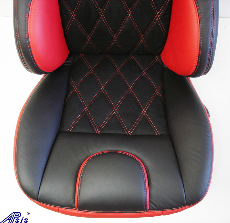 C5 UltraDeluxe Seat-EB+TR-close shot-6
