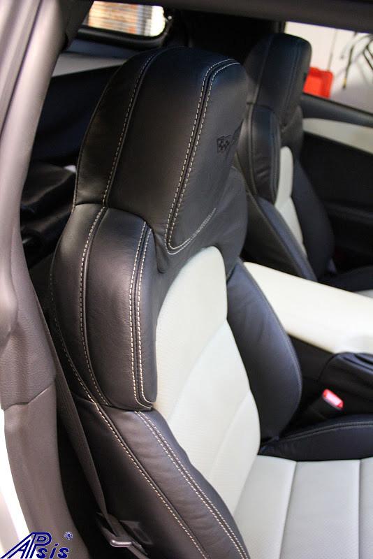 C6 2012 Seat-ebony + perf linen w-linen stitching-installed-5