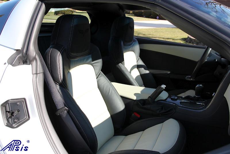 C6 2012 Seat-ebony + perf linen w-linen stitching-installed-7