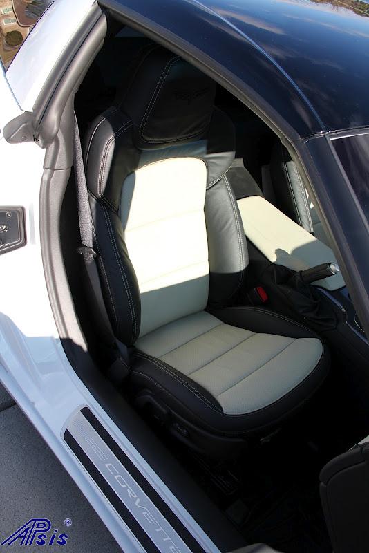 C6 2012 Seat-ebony + perf linen w-linen stitching-installed-8