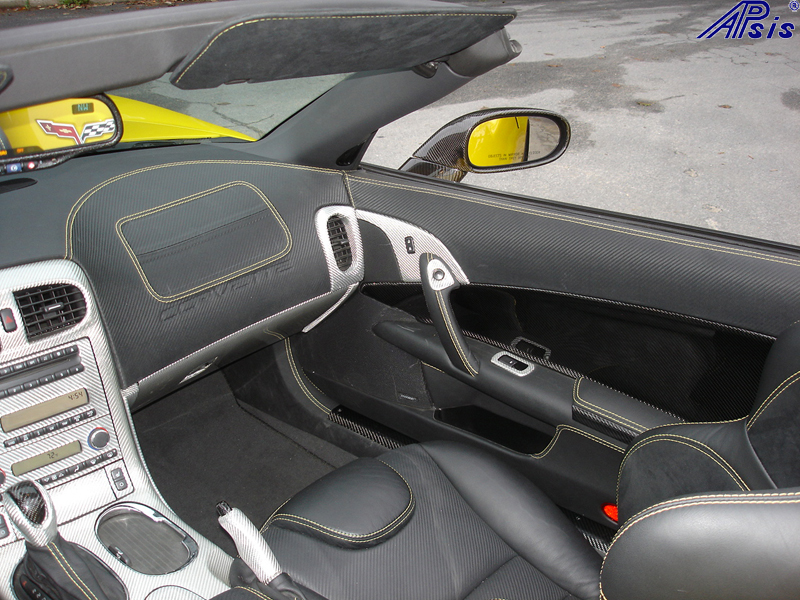 C6 Main Dash-show where door panel meet main dash-pass side-2