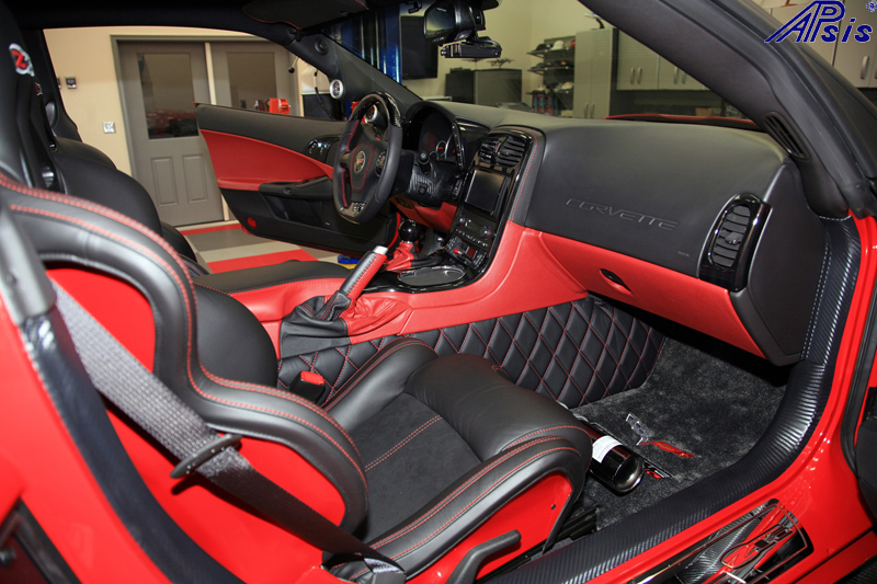C6 SuperDeluxe SW w-carbon w-airbag cover in red stitching-3