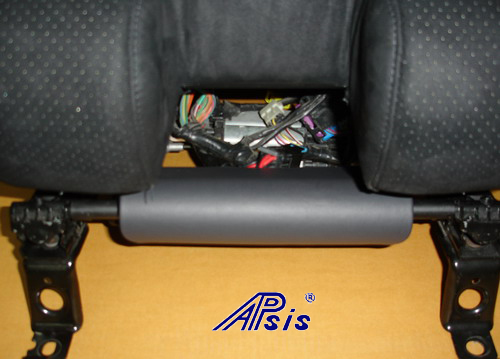C6 SuperDeluxe Seat w-carbon panel w-5 point harness-close shot-1-jean