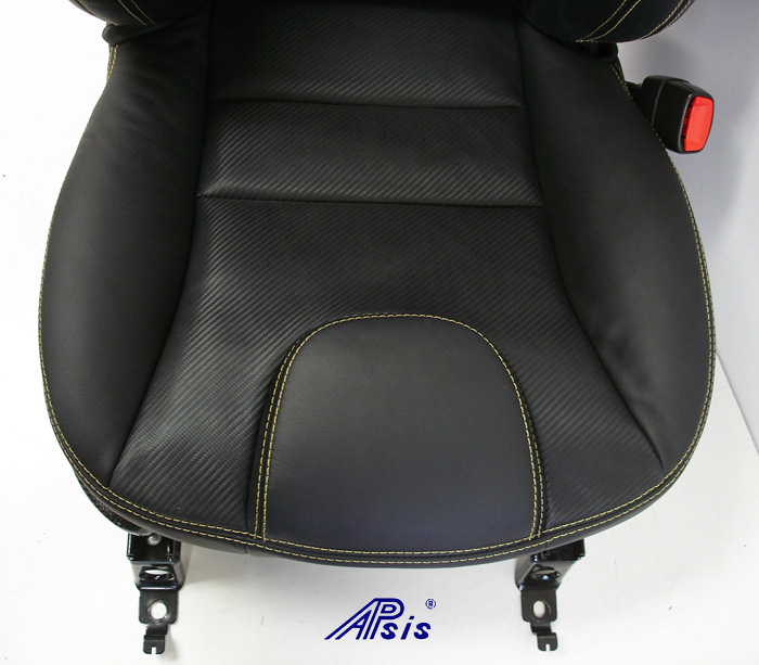 C6 UltraDeluxe Seat-finished-individual-close shot-lower-1-crop