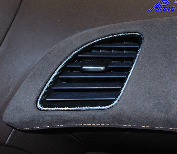 C7 Center Right Air Vent-matte-installed-1