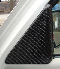 Escalade Black CF-Pass. Door Triangle-200