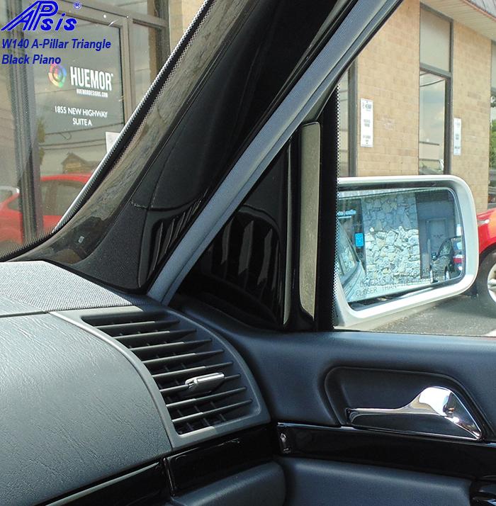 W140 Black Piano-A-Pillar Triangle-pass-installed-1