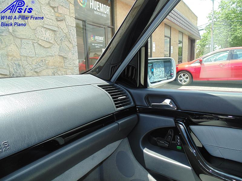 W140 Black Piano-A-Pillar-pass-installed-2
