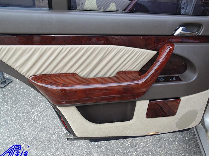 W140 DR Door Handle-burlwood-installed-1