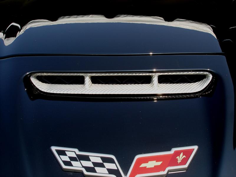 Z06 Silver CF-Hood Scoop-installed on black car-1