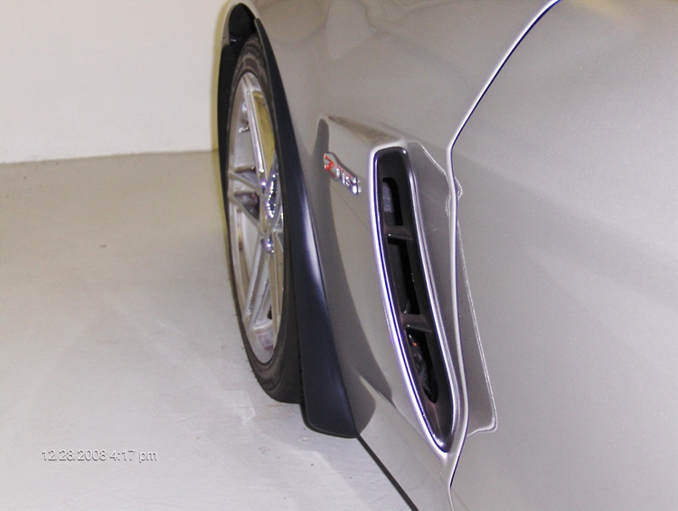 Z06 Splash Guard-installed on silver car from tommy-1