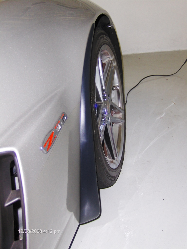 Z06 Splash Guard-installed on silver car from tommy-2